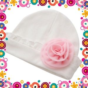 Other - 🌸New🌸Pretty White Baby Hat & Pink Flower🌸